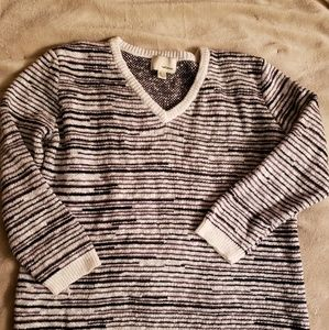 The Korner NWOT marled vneck Sweater NWOT